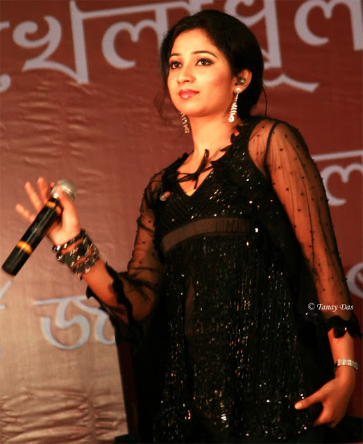 sexy-singer-shreya-ghoshal-photos-stills (10)