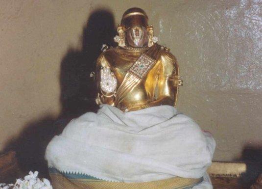 ஆழ்வார் திருநகரியில் உள்ள நம்மாழ்வார். நன்றி KRS