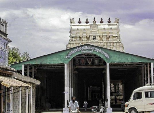 ஆழ்வார் திருநகரி கோவில் (திருக்குருகூர்) நன்றி KRS