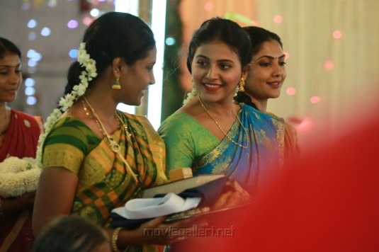 Actress Anjali in Iraivi Tamil Movie Stills